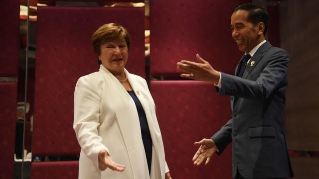 Jokowi di Telepon IMF, Ada Ancaman Krisis Ekonomi Global dan Kenaikan Utang