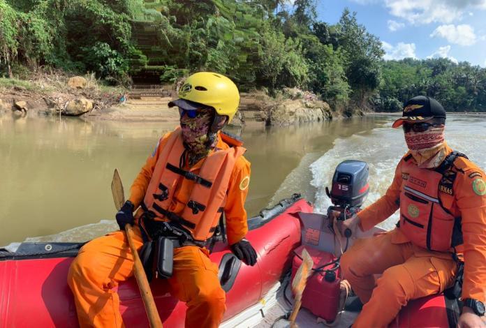 Tim SAR Gabungan, Cari Korban Tenggelam di Sungai Ciwulan
