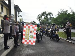 Polres Banjar, Salurkan Bantuan kepada Masyarakat Terdampak COVID-19