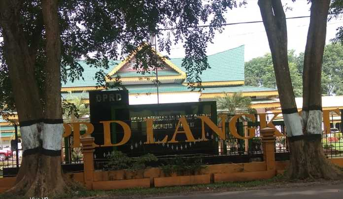 Fraksi PDIP DPRD Langkat, Sampaikan Pendapat Akhir Raperda APBD TA 2019