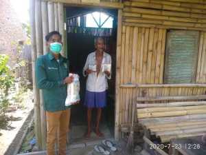 Harlah PKB ke-22, Kader PKB Agus Salim Ritonga Berbagi Sembako kepada Masyarakat
