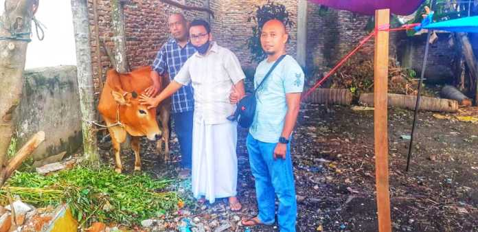 Idul Adha 1441 H, Dr. Ridho Syahputra Manurung serahkan 1 ekor Sapi untuk Qurban