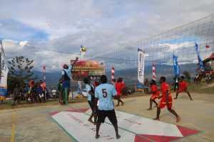Sambut HUT RI ke-75, TNI Buat Lomba Bola Voli untuk Masyarakat Papua (2)
