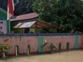 Korban Banjir di Besitang Langkat, Hingga Kini Bantuan Belum Turun