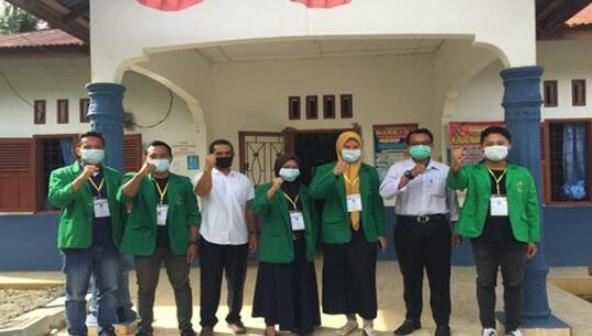 Mahasiswa KKN UNIMAL Bersama Masyarakat Desa Sido Makmur Ciptakan Hidup Sehat dan Bersih di Era New Normal