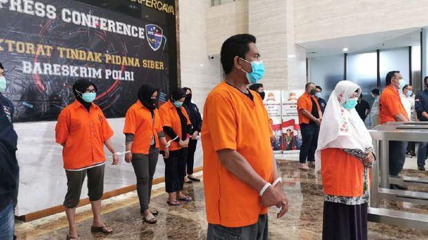 Bareskrim Polri, Konferensi Pers Tunjukkan 9 Pentolan KAMI Tersangka Penghasutan