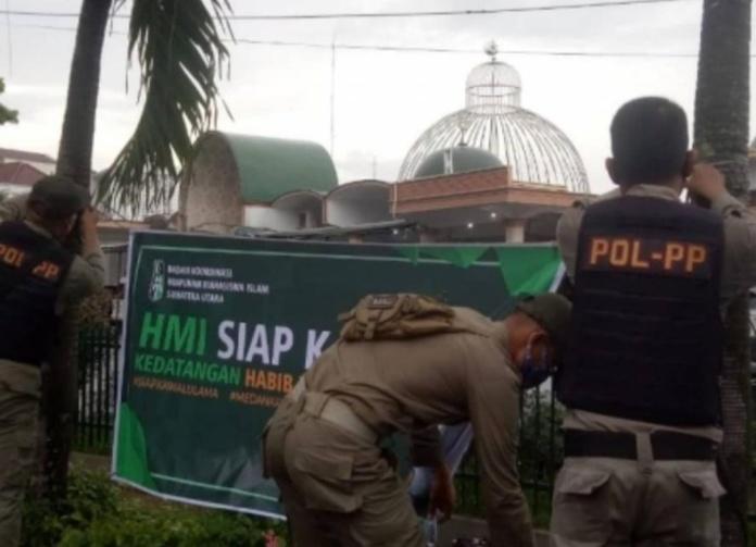 Badko HMI Sumut, Sesalkan Spanduk 'Siap Kawal Habib Rizieq' Dicopot