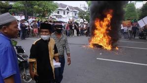 Aksi di Kantor Gubernur Sumut, Tolak Kedatangan Habib Rizieq
