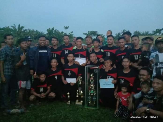 Porpatan FC Desa Karya Maju Tanjung Pura Juara