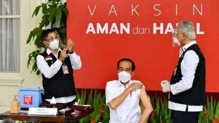 Presiden Jokowi Disuntik Vaksin Covid-19