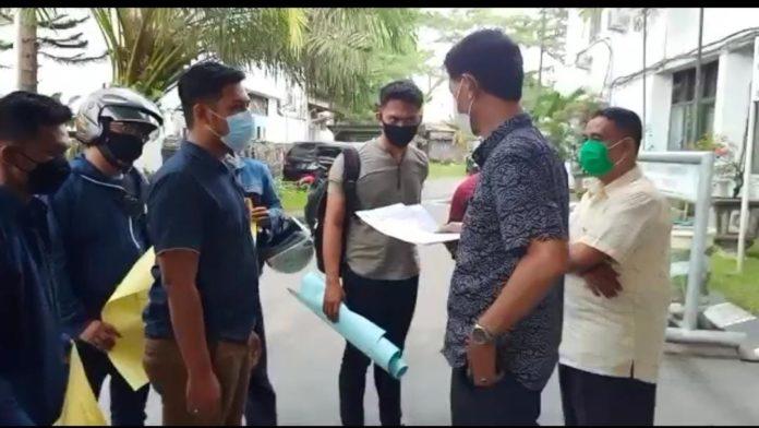 Kantor Dinas PU dan Dishub Kota Medan Di Demo Mahasiswa