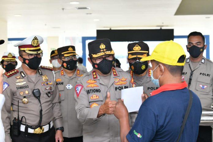 Larangan Mudik 2021, Kakorlantas Polri Cek Penerapan Prokes di Terminal Pulogebang