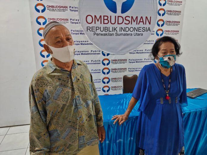 Nenek Halimah Menangis di Ombudsman