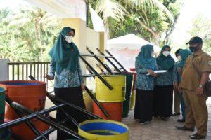 Salurkan Tong Sampah di Desa